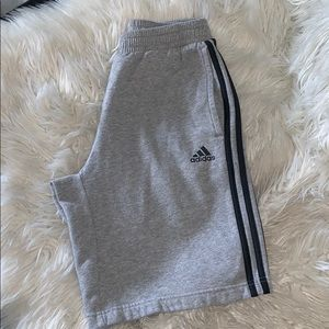Adidas men's essential cotton  short sz small